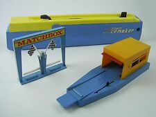 Vintage Matchbox Superfast Pacemaker,Double Action Opening Garage & Finish Line