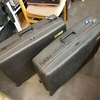 2 Black Hardshell 80s Delsey Club Airstyle DeLuxe Suitcases Wheeled Case