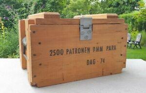 Vintage Munitionskiste aus Holz (2500 Patronen 9mm PARA DAG-74). Ohne Inhalt