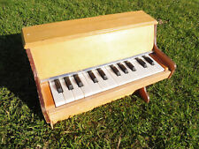toy piano 24 touches BEILEI MUNDIA - style Michelsonne - see video