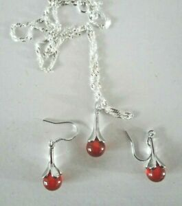 Lovely Set of Necklace & Earrings in 925 Silver & Amber / red  colour Stones