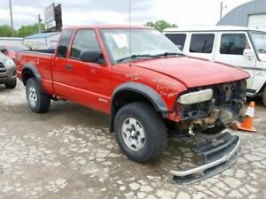 (NO SHIPPING) Trunk/Hatch/Tailgate Fits 94-04 S10/S15/SONOMA 824810
