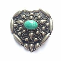 Beautiful Large Vintage Ornate Silver Tone & Green Cabochon Heart Brooch - Italy