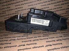 XL34-14A067-CB 1999 Ford F250 AT 4X2 5.4L No PW Fuse Block Fuse Box
