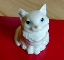 Vintage Hagen Renaker Persian Cat in White Gloss with Gloss Blue Eyes
