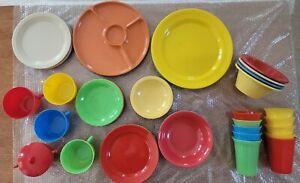 55 pc. Large Picnic Basket Wood & Fiber Rush Divider Shelf & Gothamware Dishes