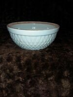 VINTAGE A. E. HULL PERIWINKLE BLUE STONEWARE SERVING / MIXING BOWL