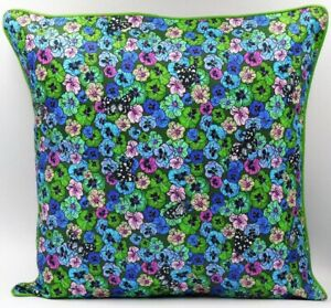 **Exclusive**  Wild Pansy cushion (Green)
