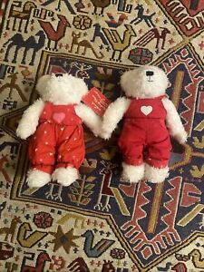 Hallmark Blushing Bears Magnetic Kiss  Hand Holding