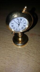 GOLD COLOURED METAL MINIATURE CLOCK PARK LANE QUARTZ ..