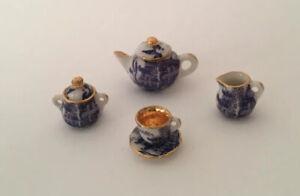 Dolls House Blue/White Hand Decorated Tea Set