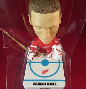 2001-02 UD NHL PLAY MAKERS LIMITED DOMINIC HASEK BOBBLEHEAD W/BOX