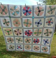 """Vintage Hand Made Hand Sewn Dresden Plate Quilt 82"""" x 96"""""""