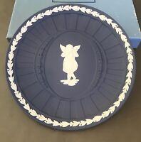 "White Relief Angel Dark Blue WEDGWOOD Jasperware Fluted 6 1/2"" Plate Christmas"