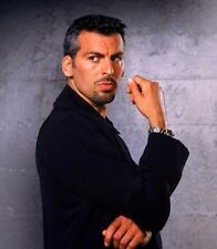 Oded Fehr UNSIGNED photo - 9201 - HANDSOME!!!!