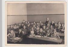 (F15569) Orig. Foto Schulklasse aus Dresden, mit Lehrer Kraker 1930