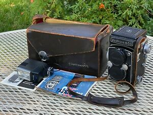 Yashica 635 TLR Camera With Case