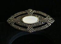 BROOCH-vintage, silver-tone metal, bar beautiful brooch