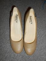 20 231/3 Jonny´s Damen Marken Pumps Schuhe Gr. 41 beige Sand Absatz