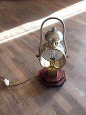 Lampada da tavolo stile marina da segnalazione marittima secolo scorso in ottone