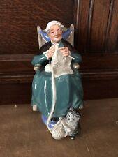 Royal Doulton Figurine Twilight Hn2256 England Woman Knitting w Cat