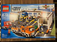 New Sealed LEGO City Garage (7642)