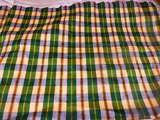 superbe soie ,carreaux vert-jaune 98cM h x1m,72 large