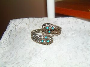CAROLYN POLLACK OPEN SCRIPT FILIGREE STERL TURQUOISE BYPASS BANGLE -  AVG TO LG