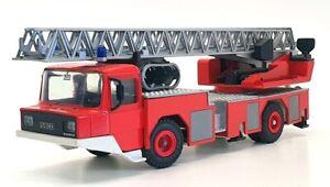 Gamma 1/50 Scale 3546 - Iveco Magirus Deutz DL 23-12 Fire Engine - Red