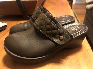 CROCS Women's Brown Leather Patent Clogs Heels Mules Size 9 Women's Clogs