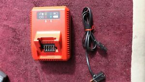 """SNAP-ON *MINT!* CTC720 18-VOLT """"MONSTERLITHIUM"""" BATTERY CHARGER!"""