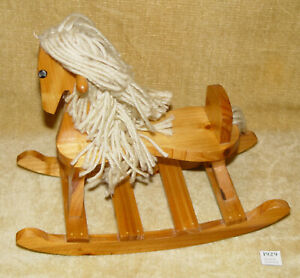 VINTAGE WOODEN WOOD DOLLS ROCKING HORSE WITH RAGDOLL STYLE TAIL AND MANE 28cm
