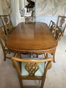 Yew Extending Dining Table and 8 Chairs