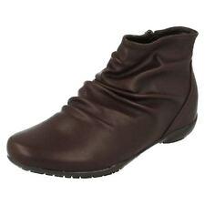 Calzado de mujer botines marrón, talla 38