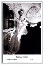Sophia Loren (C) Swiftsure Postcard year 2000 modern print 20/43 glamour photo