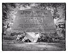Photograph of Robert Johnson's gravesite