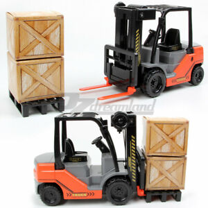 1:22 Scale Forklift Truck with Pallet Cargo Lifter Toy Inertia Friction Powered