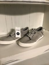 Cat & Jack tennis shoes nwt grey/wesley faux suede size 6