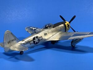Nice Vintage Built 1:48 P-47D Thunderbolt USAAC WW2 Fighter-Bomber Battle Damage