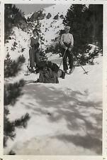 PHOTO ANCIENNE - VINTAGE SNAPSHOT -SPORT SKI MONTAGNE ÉQUIPEMENT-MOUNTAIN SKIING