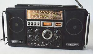 Grundig Satellit 2400 Shortwave Radio