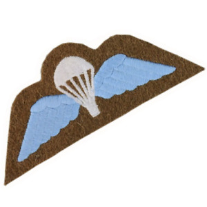 BRITISH AIRBORNE FORCES PARACHUTE WINGS PARA WINGS MOD ISSUE KHAKI/WHITE/BLUE
