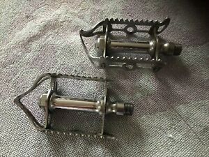 VINTAGE RETRO CHROMED STEEL CYCLE PEDALS.