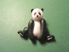 (1)  PANDA BLACK WHITE PLASTIC SHANK CRAFT EMBELLISHMENT BUTTON (E119)