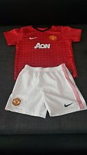 Manchester United football kit for children  size  6-7 years