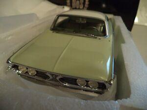 BOS MODELS EDSEL RANGER HARDTOP 1960      RESIN     1/18TH  NEW   IN  BOX