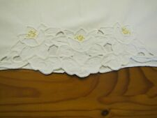 Old Fashion snowy White Lilly Vtg Raised embroidery Pillow Case Cottage Chic 60s