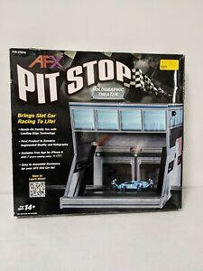 AFX 21070 Pit Stop Holographic Theater