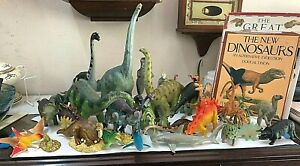 Vintage Toys Dinosaurs With 4 Books  Carnegie Safari and more Vintage  29+ Lot