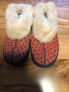 UGG WOMENS 5 PINK I HEART WOOL SUEDE SLIPPERS SLIP ON CLOGS FUR SHOES 1006205